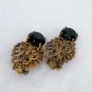 oorclips met zwarte steen, goudkleurig