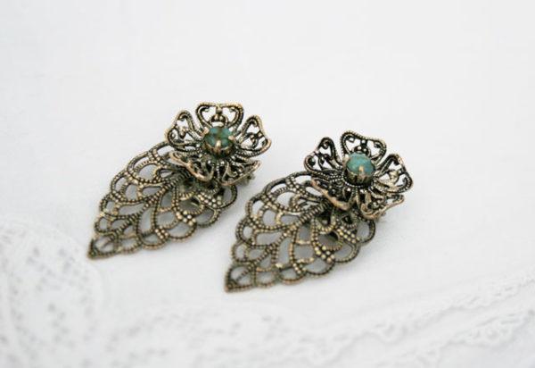 vintage oorbellen met turquoise steentjes