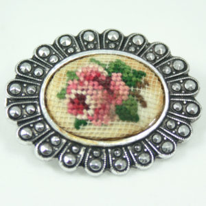 petit point broche jaren 50