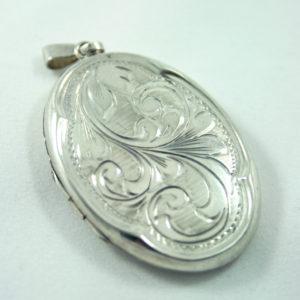 Zilveren medaillon uit 1977