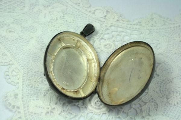 Antiek zilveren medaillon, victoriaans medaillon