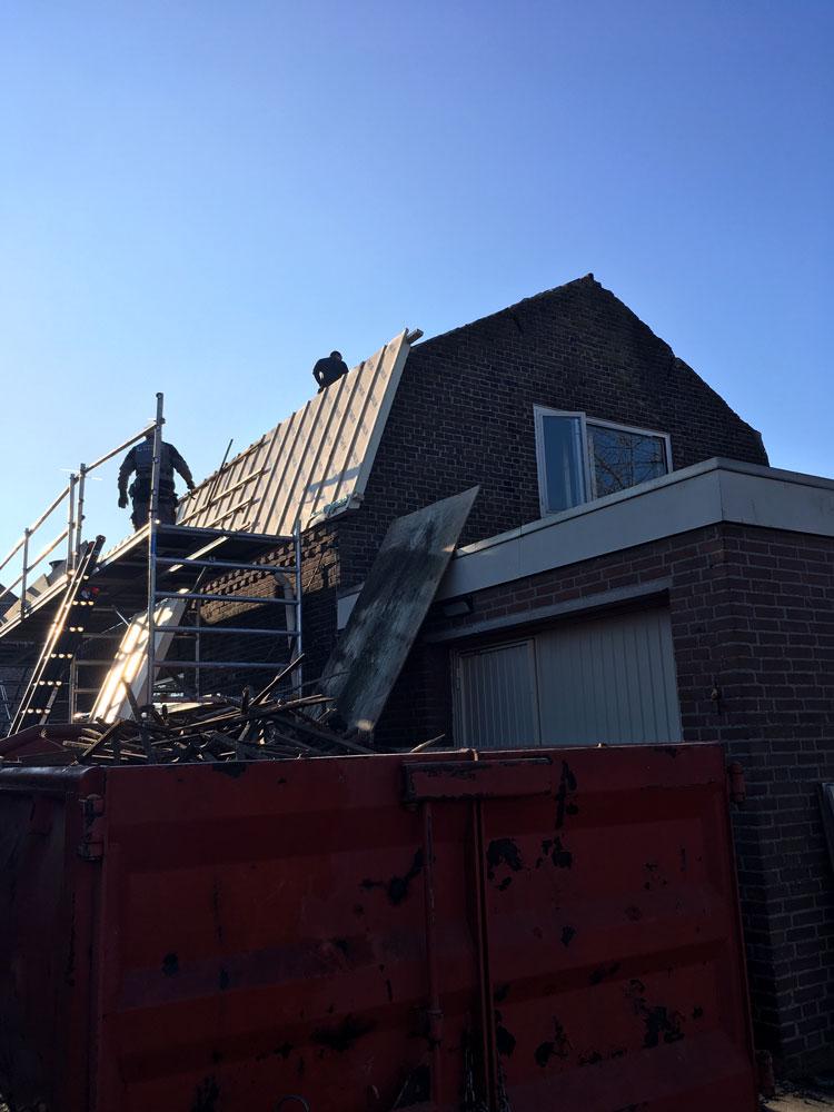 Nieuw dak op oude boerderij