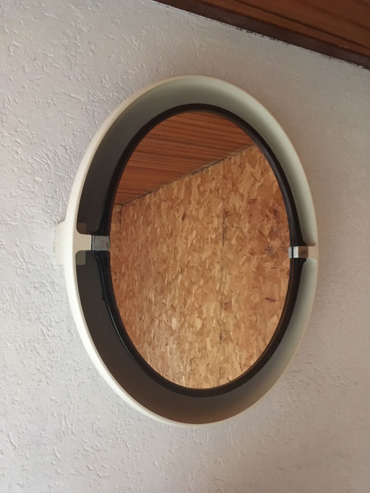 retro spiegel met licht