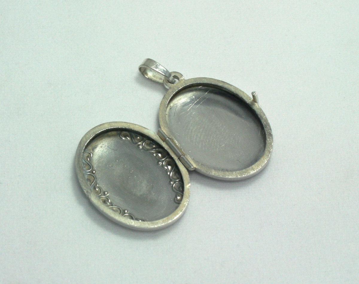 beter fabrieksoutlets goedkope prijzen Zilveren medaillon met elegante versiering - Vintage Accessoires