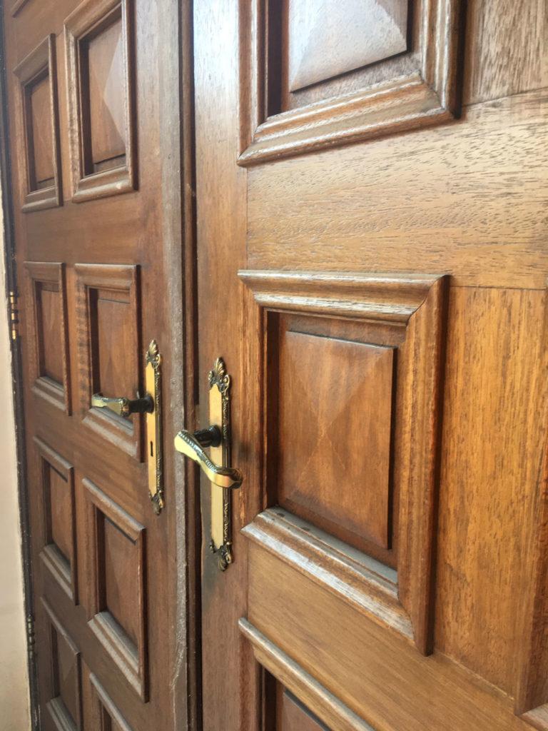antieke massieve deuren