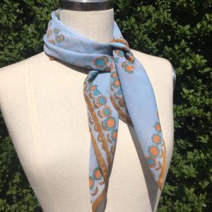 Sjaal met retro bloemetjes
