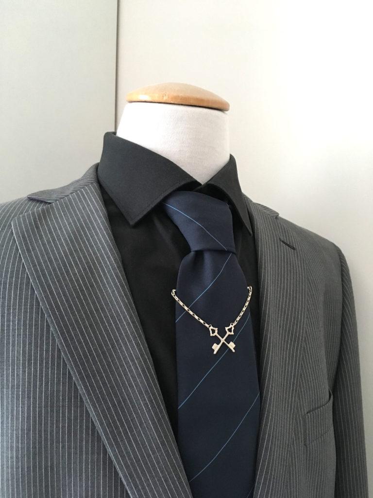 Zilveren stropdas ketting met sleutels