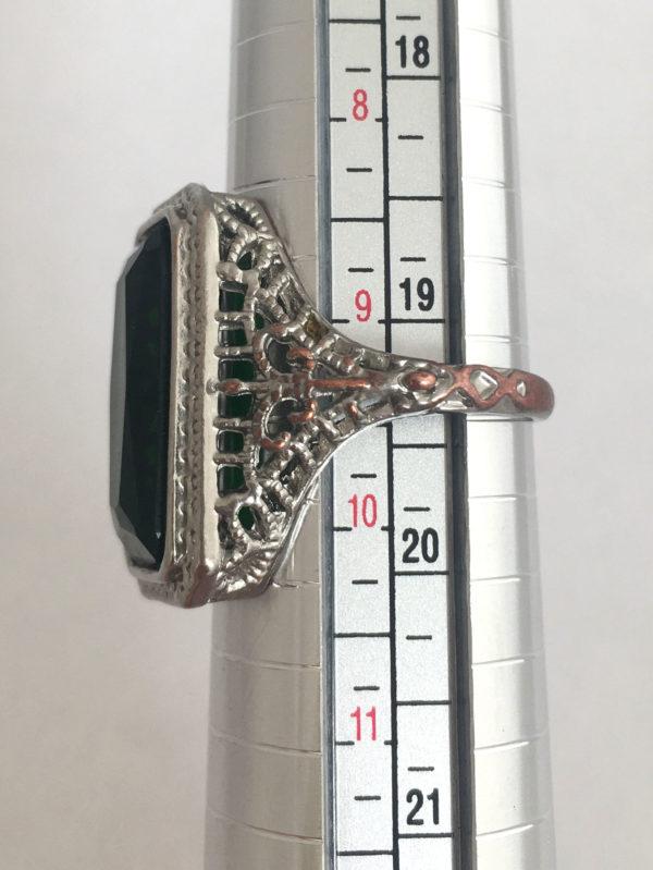 vintage ring met groene steen
