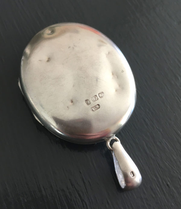 victoriaans zilveren medaillon