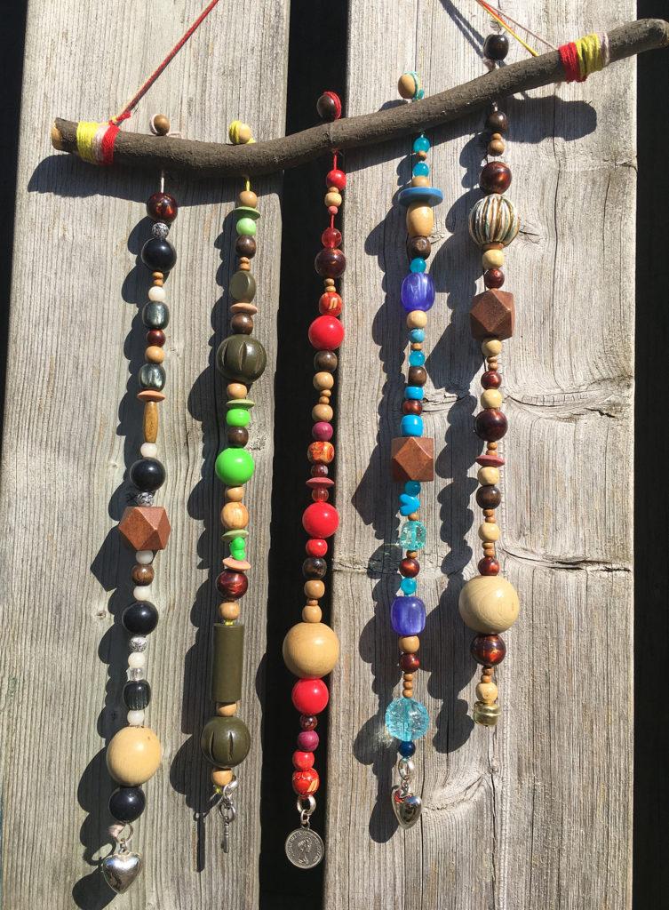 Tuin-DIY met oude sieraden