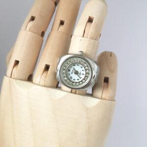 Horloge ring zilverkleurig