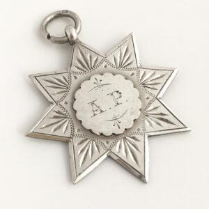 Zilveren fob uit 1900
