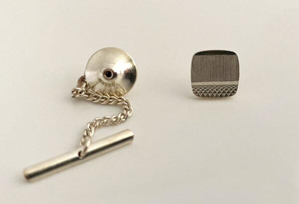 Zilveren das pin dasspeld