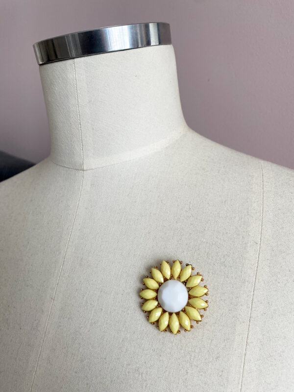 vintage madeliefje broche